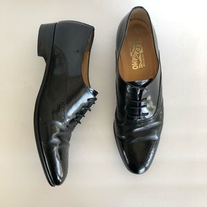 SALVATORE FERRAGAMO • men's black leather oxfords